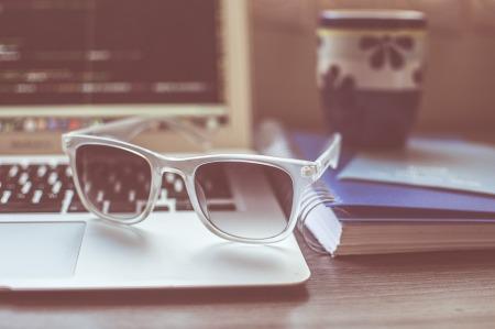 sunglasses-1284392_960_720
